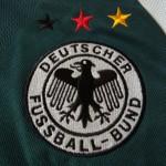 2000-2002 Away, crest detail