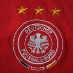 2005-2007 Away, crest detail