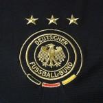 2007-09 Away, crest detail