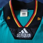 1992-94 Away, neck/collar