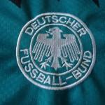 1994-96 Away, crest detail