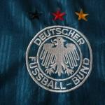 1996-98 Away, crest detail